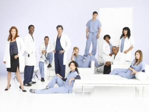 "GREY'S ANATOMY - ABC Television Network's ""Grey's Anatomy"" stars Kate Walsh as Addison Shepherd, Isaiah Washington as Preston Burke, Justin Chambers as Alex Karev, Patrick Dempsey as Derek Shepherd, Sandra Oh as Cristina Yang, Katherine Heigl as Isobel ÒIzzieÓ Stevens, T.R. Knight as George OÕMalley, Chandra Wilson as Miranda Bailey, James Pickens, Jr. as Richard Webber, Sara Ramirez as Dr. Callie Torres and Ellen Pompeo as Meredith Grey. (ABC/BOB D'AMICO)"